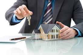 Vente ou achat de maison, faire appel à un agent immobilier